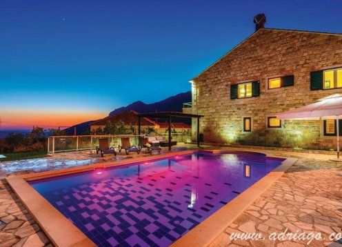 Exceptional villa with six bedrooms near Dubrovnik (14+2)